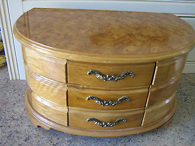 UNIQUE LARGE KEIRA OAK WOOD FINISH WOODEN INLAID JEWELLERY BOX by LIONITE MELE