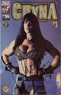 Wwe/wwf Hand Signed Autographed Comic Book Chyna 1 Rare With Proof