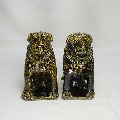 D993: Pair of Japanese old SETO pottery foo dog statue of traditional work