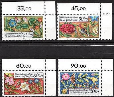 Germany  BERLIN  - 'BORDERS' -  A  FULL TOP TAB CORNER SET  - MINT NH