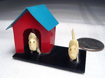 VINTAGE PLASTIC MINIATURE WHITE SCOTTIE DOG PAIR with DOG HOUSE - JAPAN