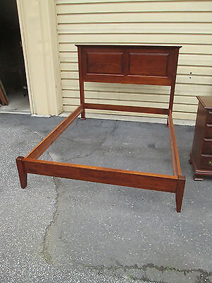 58236 Cherry Queen size Paneled Shaker Bed