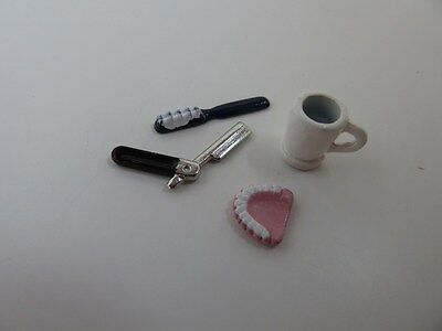 Dolls House Miniature 1:12th Scale Bathroom Accessory False Teeth & Razor Set