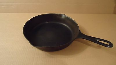 """Vintage GRISWOLD No. 6 Cast Iron 9"""" Frying Pan Skillet 699 ERIE, PA"""