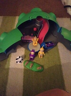 1996 Classic Bbc Teletubbies House On Hill Playset With Characters & Furniture?