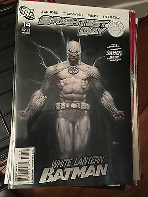 BRIGHTEST DAY #14 NM 1st Print BATMAN WEARS THE WHITE RING David Finch Cover