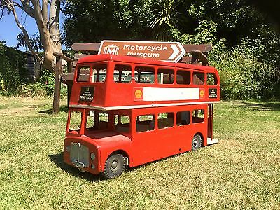 Triang bus large scale.