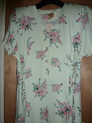 Vintage pale green and pink 50's floral dress size 16/18 'New' Compliments