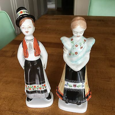 2 Pc. Hungarian HOLLOHAZA Porcelain Man & Woman Figurines Handpainted  Stamped