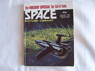 Space Picture Library 1981 Holiday Special - Paperback