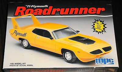 MPC 1971 PLYMOUTH ROADRUNNER 3 in 1 Kit  1/25 sealed