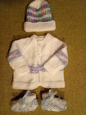 hand knitted baby clothes. very cute 3 piece set. newborn