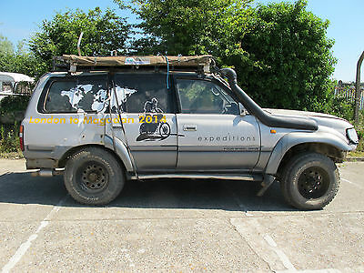 Toyota Land Cruiser 80 series for parts only, vehicle has been rolled.
