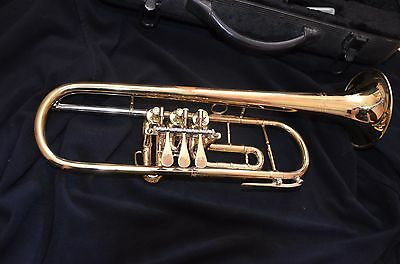 ** Trompete Bach USA TR300  Gold Koffer - TRUMP TRUMPET **