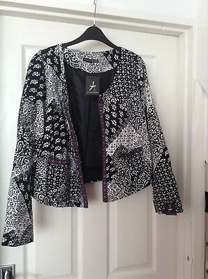ladies atmosphere black and white jacket size 18 bnwt