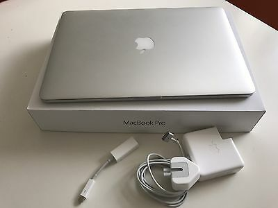 MacBook Pro (Retina, 15-inch, Mid 2015) 16Gb/256Gb/2.2Ghz Quad Core