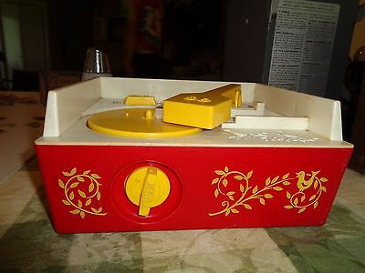 Vintage '71 FISHER PRICE Music Box RECORD PLAYER 10 Songs  GOLD LETTERS 995 Japa