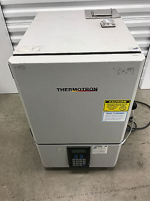 Thermotron SM-1.0-3800 Table-top Environmental Test Chamber with Humidity