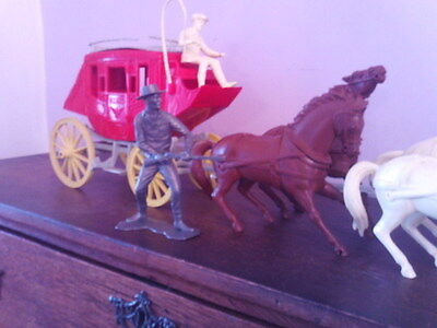 Vintage Louis Marx 6 inch cowboys and indians