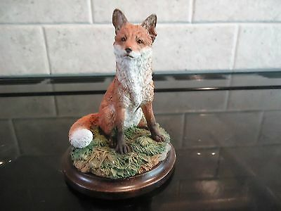 Country Artists, Sitting Fox Figurine , Ca 607 (Fox Sitting)