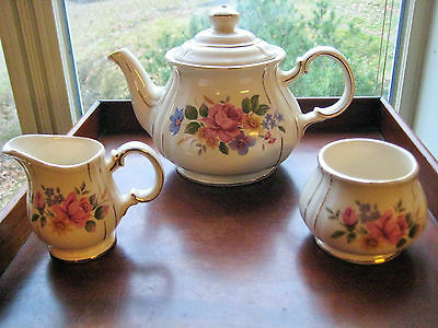 Vintage Sadler Teapot Creamer And Sugar Rare Pattern # 3835  1930S - 1940S.