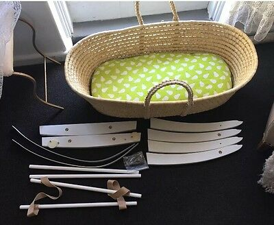 Bebelicious Organic Moses Basket With Rocking Stand