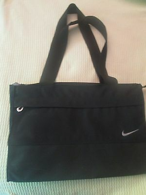 Nike Women's Tote Club Training Exercise Fitness Bag Black with Logo Pre-owned