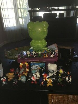 UB Funkeys Lot of 30 Collectible Game Pieces Figures + Doc+disc+green Case