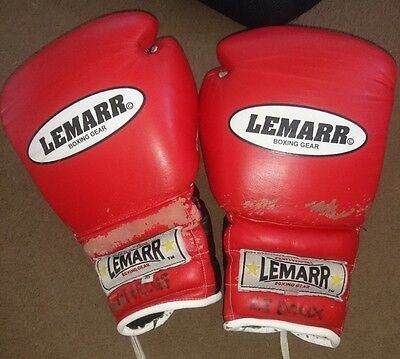 Classic Lemarr Lace up 16oz Boxing Gloves