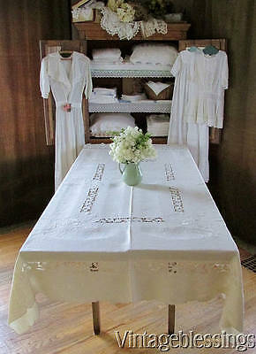 """FRENCH LINEN Cutwork Grapes Fruit Embroidered Lace Vintage Tablecloth 87x60"""""""
