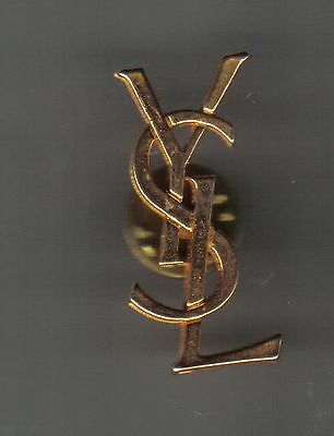 1 Pin's de  YVES  SAINT  LAURENT