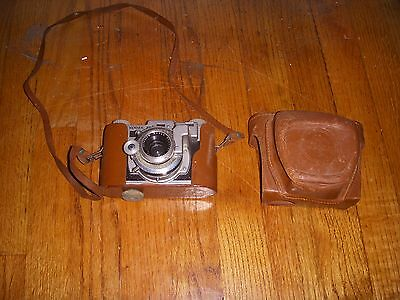 Vintage Kodak 35 50mm Camera With Deluxe Leather Field Case