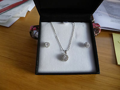 925 Silver Earrings and Pendant Set