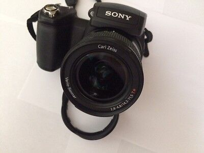 Sony DSC-R1 Camera with Carl Zeiss lens - great condition!