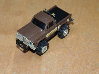 Vintage Stomper 4 x 4 Honcho Jeep  Works Runs & Lights Battery Operated