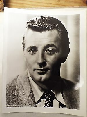"1940`s - 1950`s Film Stars 8"" x 10"" Large Robert Mitchum Photograph"