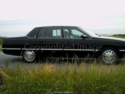1998 Cadillac Fleetwood Limited limousine 1998 Cadillac Fleetwood Limited