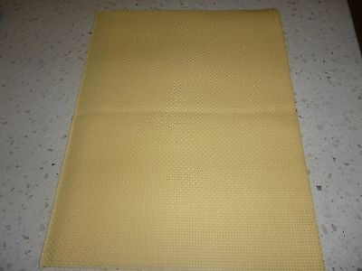 Aida Cloth- 14 Count -35Cm X 25Cm - Daffodil Yellow