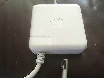 Macbook Pro 2010 Power Adaptor