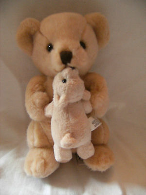 Rare  Russ Berrie magnetic kissing mummy and baby Brown Teddy Bear Soft toy 9""