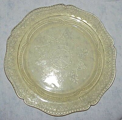 Yellow Depression glass dinner plate – Patrician/Spoke by Federal Glass