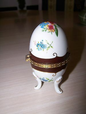 Trinket Box, Egg, Porcelain, White, Pansy, Footed