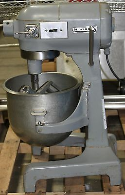 Hobart 20 Quart Mixer w/ Bowl, A20 D Wire Whisk/Whip, Paddle, Mixer Model A-200