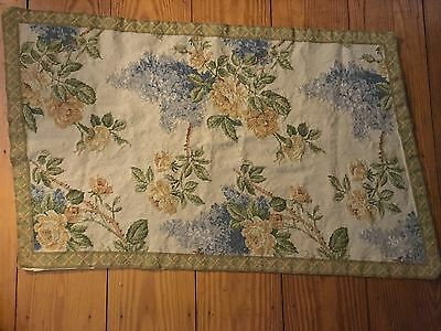 """Vintage Floral Wool Needlepoint Rug Wall Hanging 28"""" x 44"""""""