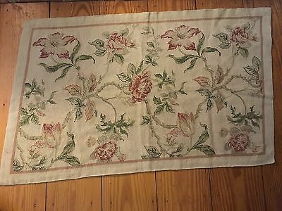 """Vintage Floral Wool Needlepoint Rug Wall Hanging 29"""" x 46"""""""