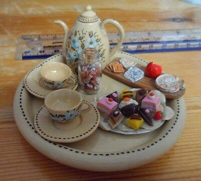 Vintage set of cute miniature dolls house accessories