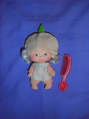 Vintage Strawberry Shortcake Apricot Doll & Comb