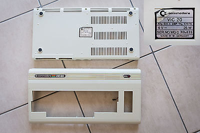 Chassis Case Scocca Commodore VIC 20 S/N 306835