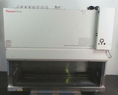 Thermo Fisher 1286 Class II Type A2 Safety Cabinet