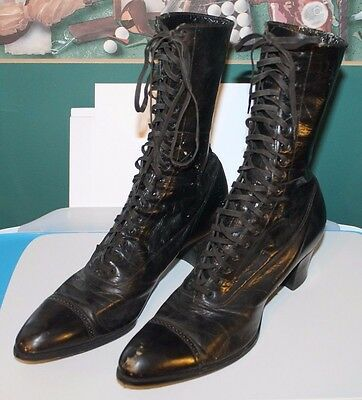 Vintage LADIES Lace Up High Top Black LEATHER SHOES  Original Sole Heel